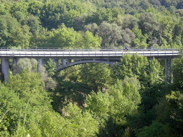 Υπο…στηρίξτε τις γέφυρες | tovima.gr