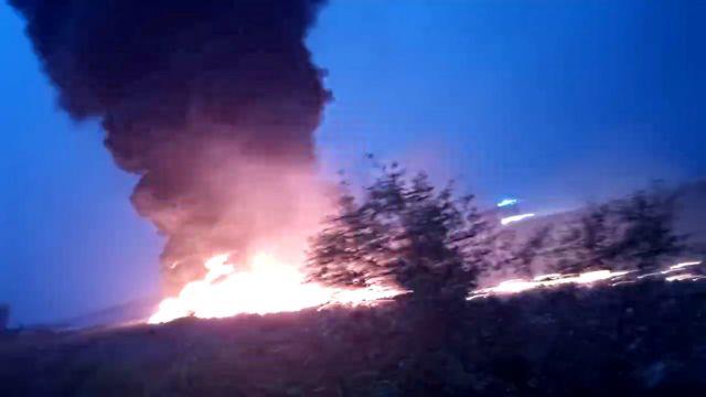 Πηδούσαν έξω από το φλεγόμενο αεροσκάφος για να σωθούν | tovima.gr