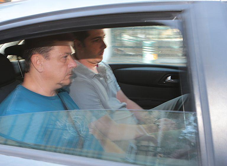 Αποκάλυψη: Δύο φάκελοι ενός δολοφόνου στο Μεσολόγγι κι ενός καταχραστή εφοριακού «οδήγησαν» στην σύλληψη του  Αρη Φλώρου | tovima.gr