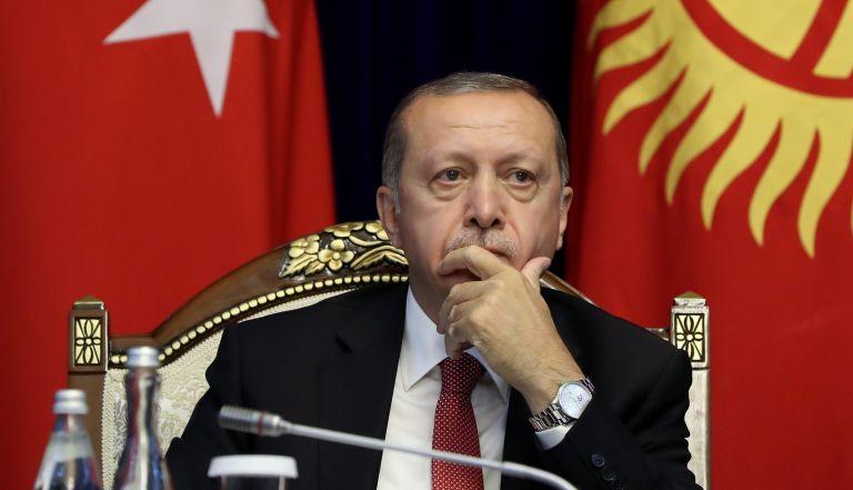 Τουρκία: Στη φυλακή σκηνοθέτης για πλάνο με τον Ερντογάν υπό απειλή όπλου | tovima.gr