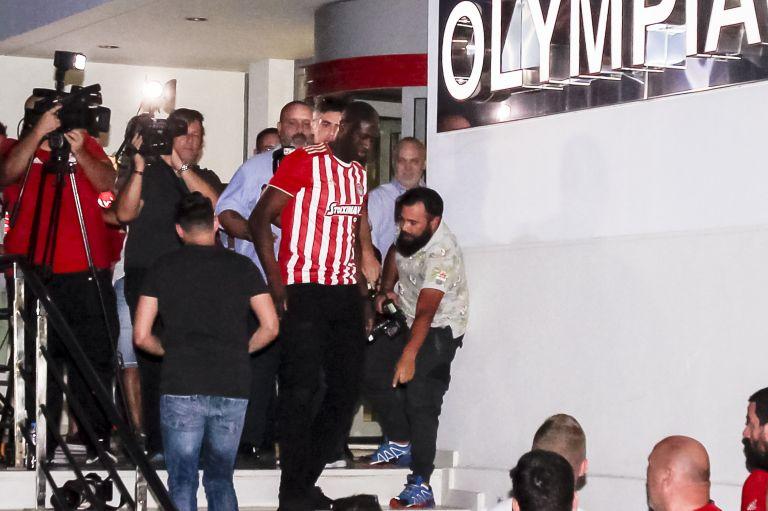 Marinakis leads Olympiacos to take-off: Toure back in Piraeus   tovima.gr