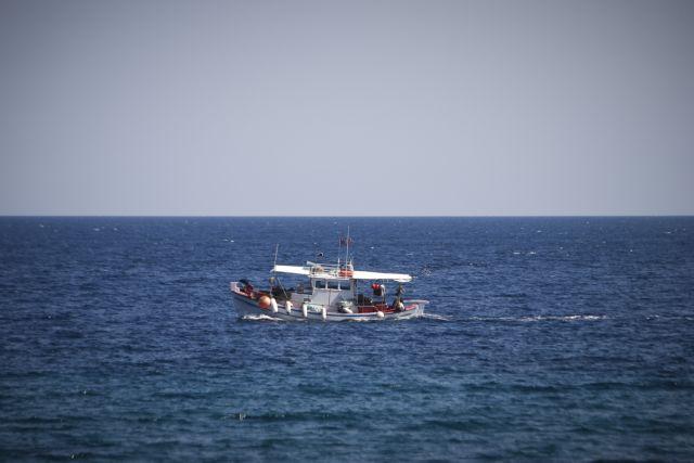 Οι Τούρκοι ψαράδες ρίχνουν τα δίχτυα τους στα ελληνικά χωρικά ύδατα   tovima.gr