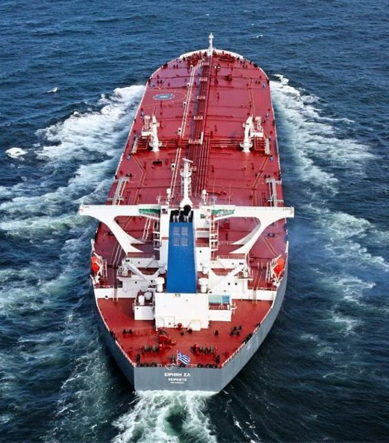 Μήλος: Αποκολλήθηκε δεξαμενόπλοιο που είχε προσαράξει   tovima.gr