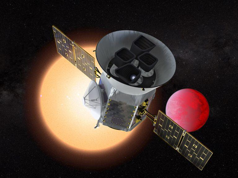 Tο διαστημικό τηλεσκόπιο TESS ανακάλυψε τον πρώτο του πλανήτη   tovima.gr