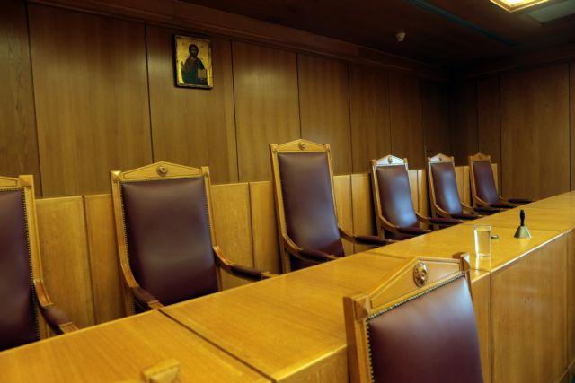 Ολομέλεια χωρίς θρησκευτικά σύμβολα ζητά από το ΣτΕ η Ένωση Αθέων | tovima.gr