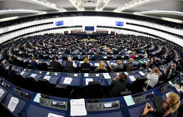 Γερμανοί οικονομολόγοι: Η κρίση και η συνεχιζόμενη άνοδος των ακροδεξιών | tovima.gr