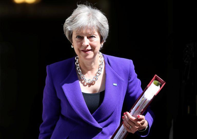 Βρετανία: Κορυφαίοι υπουργοί στηρίζουν τις προτάσεις Μέι για το Brexit   tovima.gr