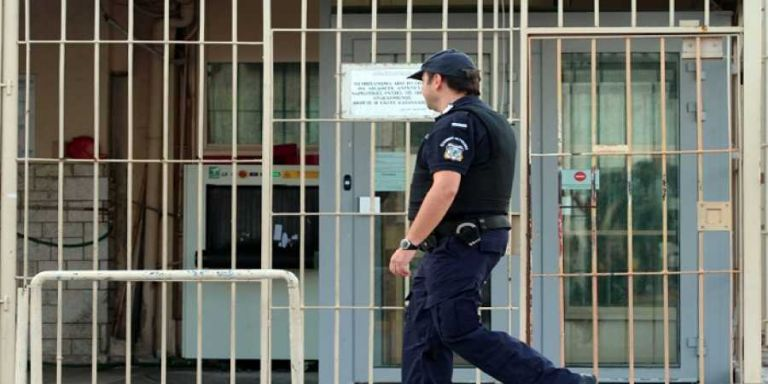 Συνδικαλιστικές διώξεις καταγγέλλουν οι σωφρονιστικοί υπάλληλοι   tovima.gr