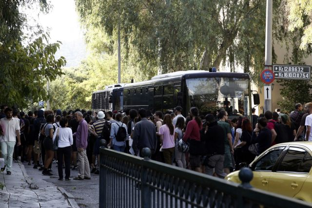 Απολογείται για το θάνατο του Ζακ Κωστόπουλου ο ιδιοκτήτης του κοσμηματοπωλείου | tovima.gr
