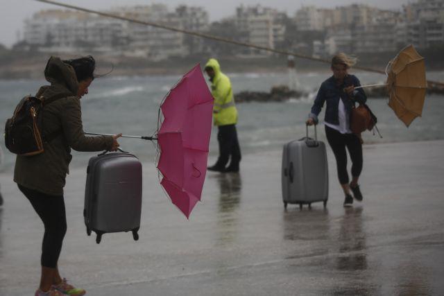 Αρση απαγορευτικού στα λιμάνια Πειραιά, Ραφήνας και Λαυρίου   tovima.gr