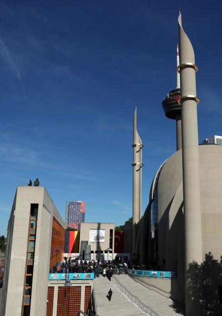 Γερμανία: Ο Ερντογάν εγκαινιάζει μεγάλο Τέμενος στην Κολονία | tovima.gr