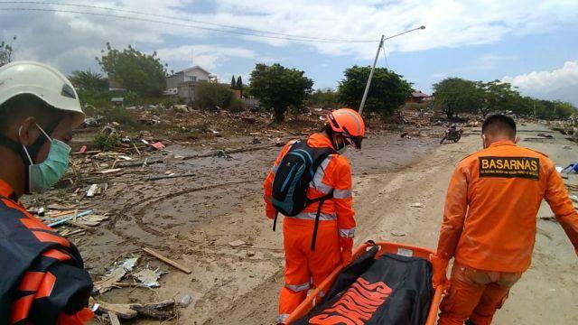 Ινδονησία: Τουλάχιστον 48 νεκροί μετά τον σεισμό και το τσουνάμι – Φόβοι για αύξηση των θυμάτων   tovima.gr