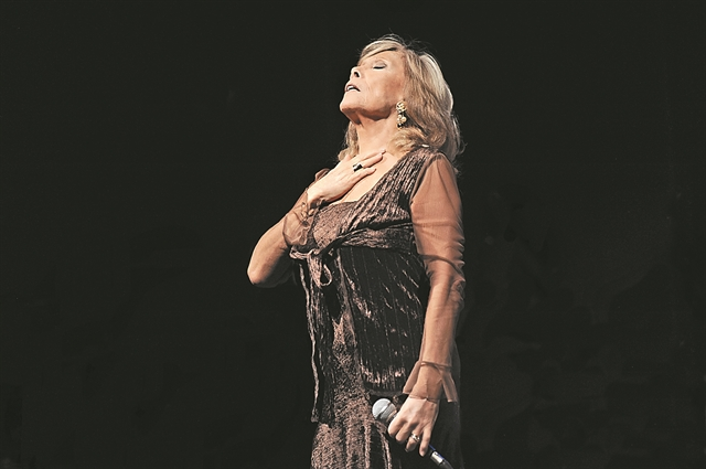 Αμελίτα Μπαλτάρ: Χορεύοντας τον έρωτα | tovima.gr