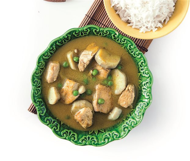 Σούπα με κοτόπουλο και γάλα καρύδας   tovima.gr