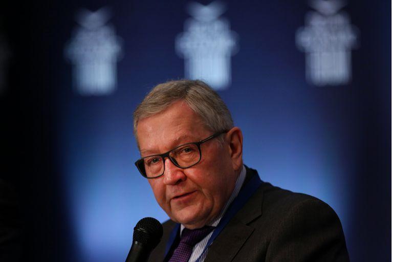 Αυστηρό μήνυμα Ρέγκλινγκ: Αλλαγές στον προϋπολογισμό μόνο μετά από συζήτηση με τους θεσμούς | tovima.gr