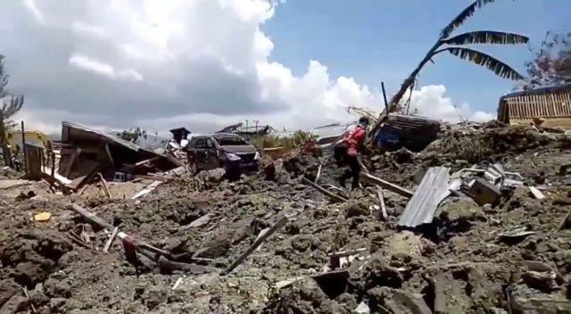 Τραγωδία στην Ινδονησία : Πάνω από 1.400 οι νεκροί από το τσουνάμι   tovima.gr