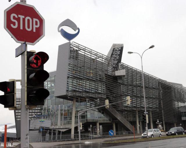 Bloomberg: Πληροφορίες κάνουν λόγο για σενάριο bad bank | tovima.gr