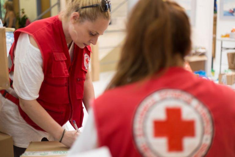 Ελληνικός Ερυθρός Σταυρός: Κόκκινη κάρτα από την Διεθνή Ομοσπονδία | tovima.gr