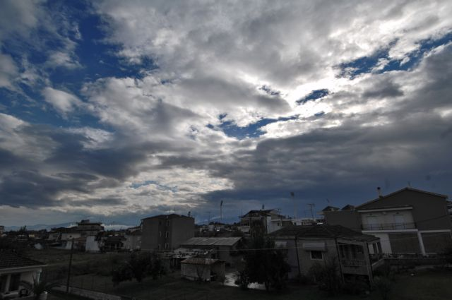 Συννεφιά και βροχές αναμένονται το Σάββατο | tovima.gr