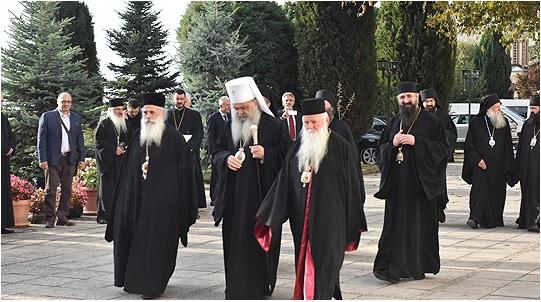Σχισματική Εκκλησία πΓΔΜ: Το όνομα της χώρας είναι «Μακεδονία»   tovima.gr