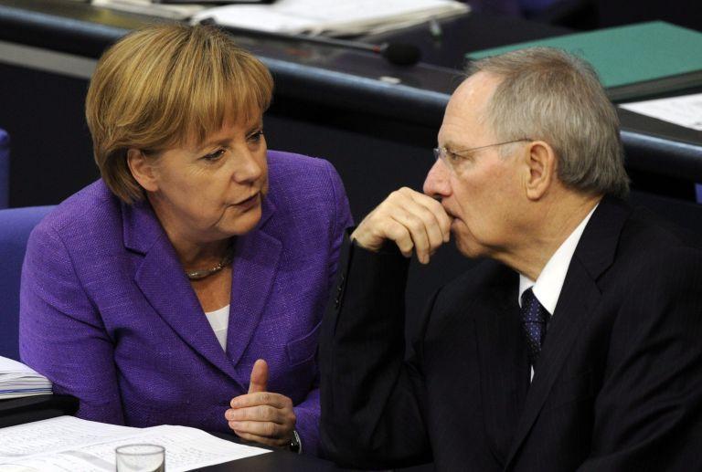 Σόιμπλε : Η πρόσφατη κρίση ενίσχυσε τη Μέρκελ στο κόμμα – Σίγουρος για την επανεκλογή της   tovima.gr