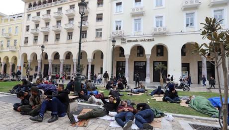 Πλατεία Αριστοτέλους : Ενας άτυπος καταυλισμός προσφύγων | tovima.gr