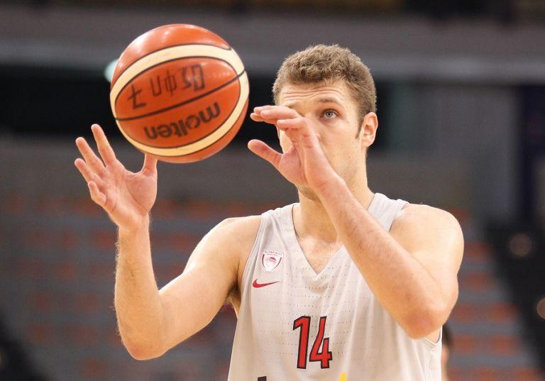 Βεζένκοφ: «Ωραίο να δουλεύεις με τον Μπλατ, σκληρό το ματς με την Χίμκι» | tovima.gr