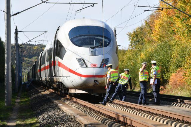 Πυρκαγιά σε τρένο υψηλής ταχύτητας στη Γερμανία | tovima.gr