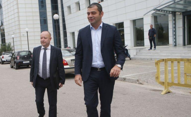 «Ξένοι διαιτητές παντού, να φύγουν Τριτσώνης, Κουκουλάκης» | tovima.gr