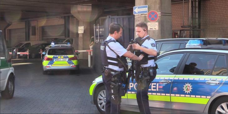 Κολωνία: Υπό έλεγχο η υπόθεση ομηρίας στον κεντρικό σιδηροδρομικό σταθμό   tovima.gr