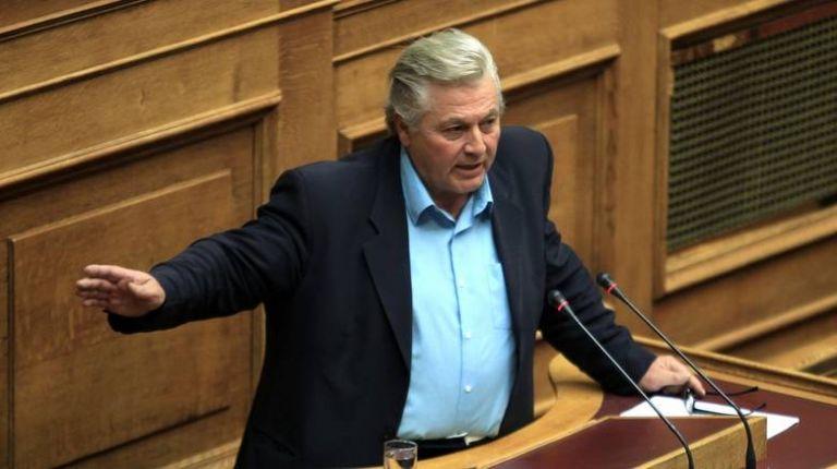 Παπαχριστόπουλος: Θα ψηφίσω τη συμφωνία και θα παραδώσω την έδρα | tovima.gr