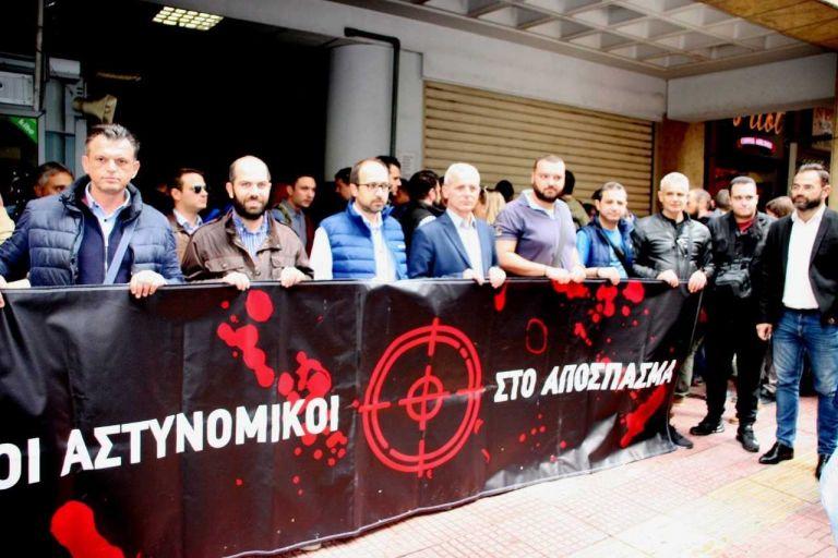 Ομοσπονδία Αστυνομικών: Η επίθεση κατά αστυνομικού συνιστά ιδιώνυμο αδίκημα | tovima.gr
