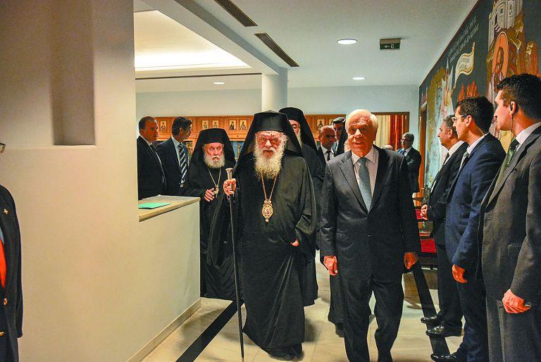 Ανοίγουν μέτωπα για τη συνταγματική αναθεώρηση | tovima.gr