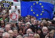 Exit Brexit διαδήλωσαν χιλιάδες πολίτες στο Λονδίνο
