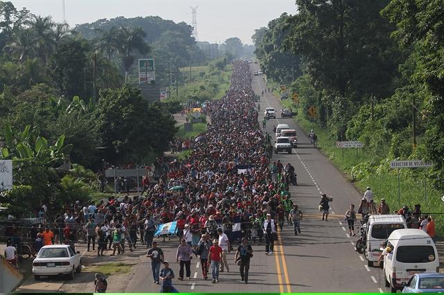 Οι απελπισμένοι της Ονδούρας συνεχίζουν την πορεία προς τις ΗΠΑ   tovima.gr