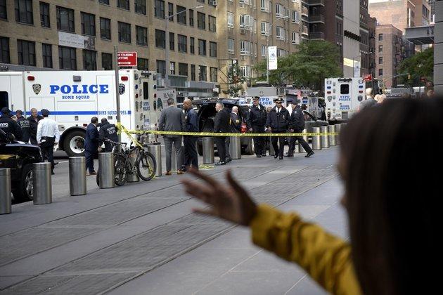 Σε κλοιό τρόμου οι ΗΠΑ : Μπαράζ τρομοδεμάτων – Τελευταίος παραλήπτης ο Ντε Νίρο – Ευρεία έρευνα του FBI | tovima.gr