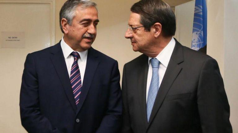 Συναντώνται σήμερα ο Πρόεδρος Νίκος Αναστασιάδης και ο Τουρκοκύπριος ηγέτης, Μουσταφά Ακιντζί | tovima.gr