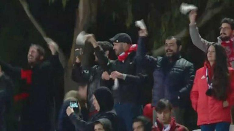 Κούνησαν… άσπρα μαντίλια στον Βιτόρια οι οπαδοί της Μπενφίκα | tovima.gr