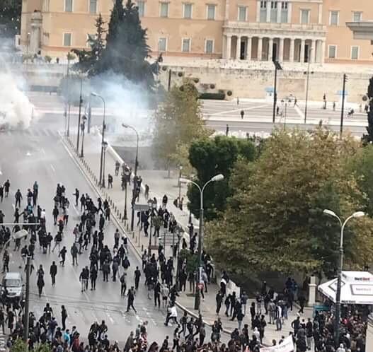 Μαθητικό συλλαλητήριο με παρατράγουδα στο Σύνταγμα – 10 προσαγωγές | tovima.gr