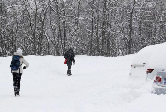 Σφοδρή χιονοθύελλα έπληξε τη νότια και κεντρική Γαλλία | tovima.gr