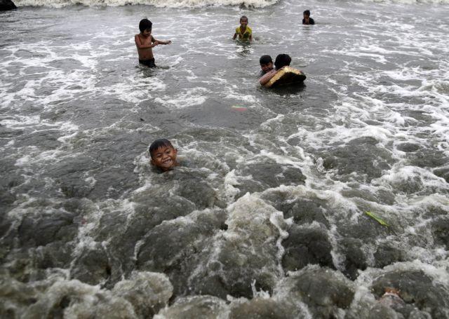 Φιλιππίνες: Νεκροί από το χτύπημα του τυφώνα Γιούτου   tovima.gr