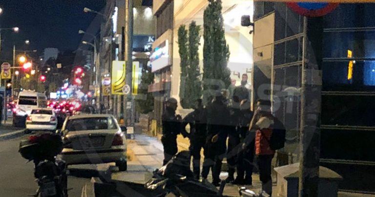 Σε κρίσιμη κατάσταση το θύμα μαφιόζικης επίθεσης στον Πειραιά | tovima.gr