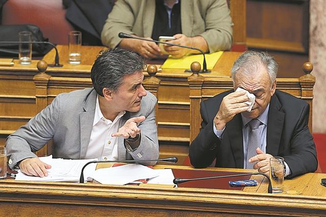 Παιχνίδια εξουσίας στην πλάτη των τραπεζών | tovima.gr