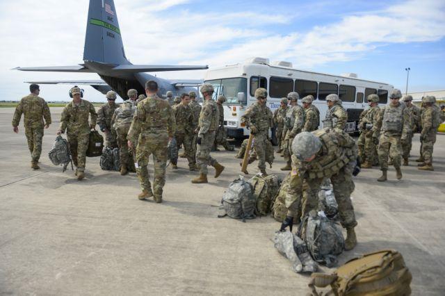 Χιλιάδες αμερικανοί στρατιώτες στα σύνορα με το Μεξικό | tovima.gr