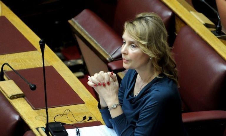 Αποδοκιμάστηκε η Κατερίνα Παπακώστα κατά τις εκδηλώσεις απελευθέρωσης της Αριδαίας | tovima.gr