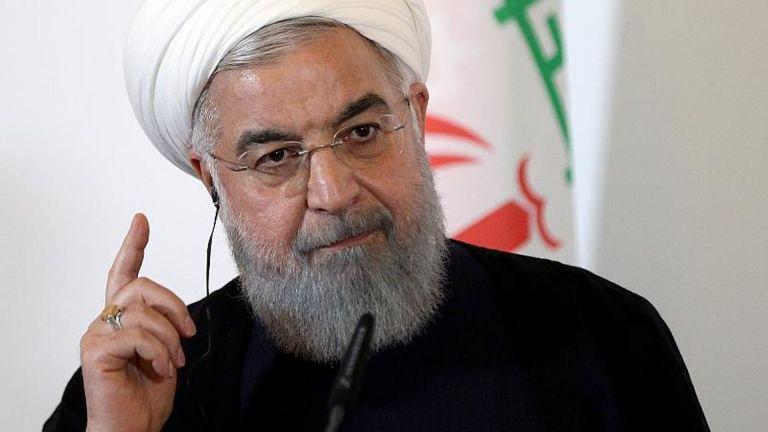 Σε ισχύ οι κυρώσεις ΗΠΑ σε Ιράν – Η Τεχεράνη θα συνεχίσει να πουλά πετρέλαιο, λέει ο Ροχανί | tovima.gr