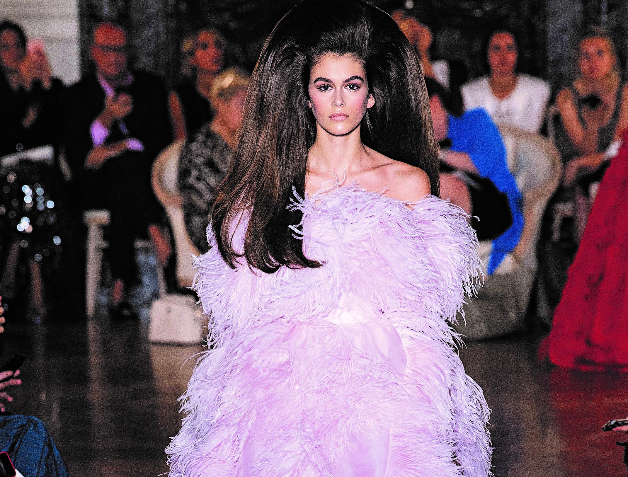 Η επιστροφή της Haute Couture - Ειδήσεις - νέα - Το Βήμα Online dbfd11cf270