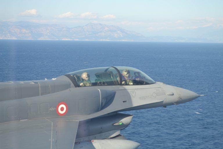 Για την κατασκευή του πρώτου μαχητικού αεροσκάφους της εργάζεται τη Τουρκία | tovima.gr
