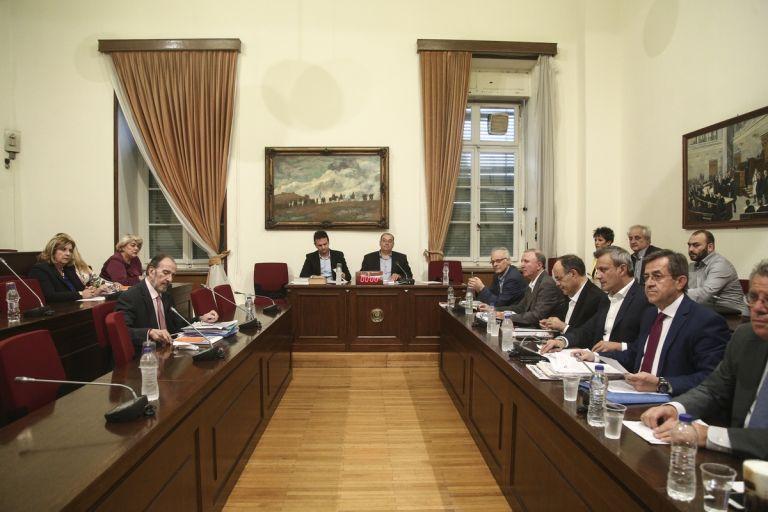 Βορίδη – Σαλμά «δείχνει» το πόρισμα της Εξεταστικής Επιτροπής της Βουλής για τις αρθροσκοπήσεις | tovima.gr