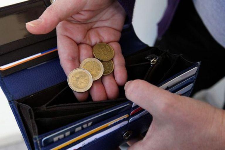 Τα χρέη γονατίζουν τα ελληνικά νοικοκυριά – Στα €103 δισ. οι οφειλές τους στο Δημόσιο | tovima.gr
